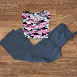 ScrubStar Set Pink & Gray Camo Size XS